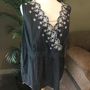 Avenue plus size sleeveless black white cotton top